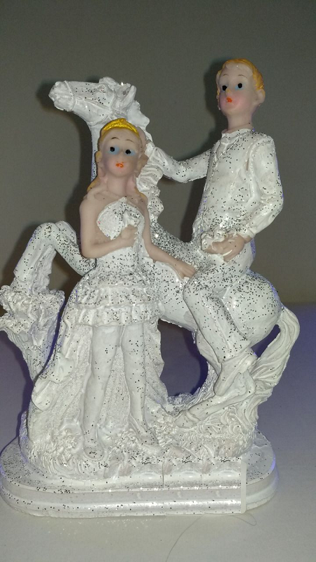 Couple Statue Idol Showpiece Dcor Gift For Couples Digin Your