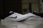 Nike Black & White Casual Shoes - Size 6